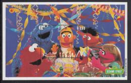 Fiji 2000 MNH Sc #884 Cookie Monster, Bert, Ernie Sesame Street London 2000 - Fidji (1970-...)