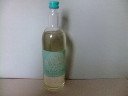 Botella De Agua Del Carmen Llena Con Precinto Medicamento - Bouteille Pleine  Agua Del Carmen Médicaments - Cajas/Cofres