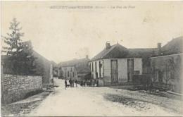 D51 - AULNAY SUR MARNE - LA RUE DU PONT - Nombreuses Peersonnes  Et Chien Sur La Route Devant Une Maison - France
