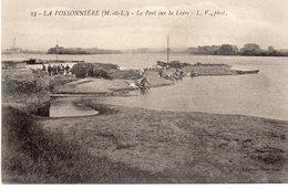 La Possonnière Animée Le Port Sur La Loire Péniche Gabare Batellerie - Other Municipalities