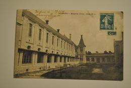 02 Aisne Soissons Hospices Civils Cour N° 1 Coin Ht Droit Decolle Sur 3mm - Soissons