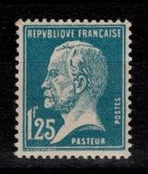 YV 180 N** Pasteur Bien Centré Cote 55 Euros + Centrage - France