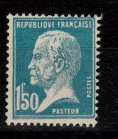 YV 181 N** Pasteur Cote 25 Euros + Centrage - France