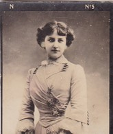 DARTY. COLORISE. CARD TARJETA COLECCIONABLE TABACO. CIRCA 1915 SIZE 4.5x5.5cm - BLEUP - Berühmtheiten