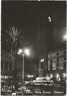 W2587 Varese - Piazza Monte Grappa - Notturno Notte Nuit Night Nacht Noche / Non Viaggiata - Varese