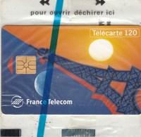 TELECARTE 120...CALL HOME  TOUR EIFFEL   NEUVE SOUS BLISTER - France