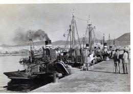 Photo De Vieux Bateaux De Pêche A Quai Près A Partir - Bateaux