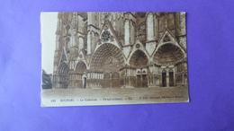 La    Cathédrale  Portail  Occidental - Bourges
