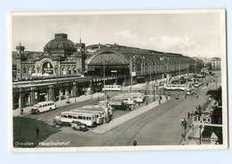 Y7813/ Dresden Bahnhof Omnibusse Straßenbahn Foto AK Ca.1935 - Dresden
