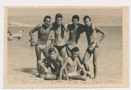 REAL PHOTO Handsome Naked Trunks Bulge Guys On Beach  Macs Sur  Plage  Foto Wilhelm Krk Old  ORIGINAL - Photos