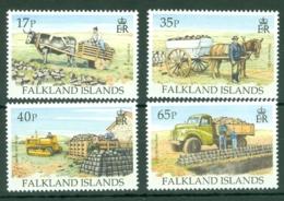 Falkland Is: 1995   Transporting Peat    MNH - Falkland Islands