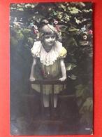 1908 - JONG MEISJE MET KANTEN JURK - FILLETTE AVEC ROBE DE DENTELLE - Portraits