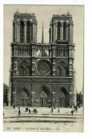 117 - Paris - La Façade De Notre-Dame (parvis) Circulé Sans Date - Notre Dame De Paris