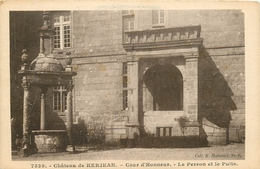 CHATEAU DE KERJEAN COUR D'HONNEUR LE PERRON ET LE PUITS - Saint-Vougay
