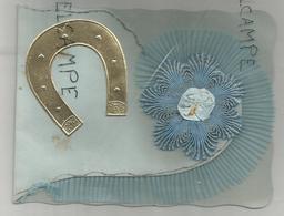 Carte Artisanale. Fleur Brodée, Fer à Cheval Doré. Encart En Forme De Cœur. - Brodées