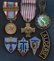 Guerre Algérie - Lot De Médailles Et Insignes - Militaria