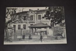 Carte Postale 1912 Véranne La Mairie Et Groupe Scolaire - France