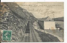Givet  Caserne Rouge Et Tunnel  Sous Le Fort Charlemont   Train - Givet