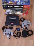 Console Nintendo 64 En Parfait état De Marche Dans ça Boîte D'origine Avec 1 Manette En Plus - Consoles De Jeux