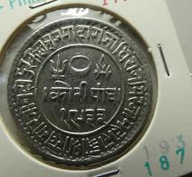 India Princely States Kutch 5 Kori 1876/1933 Silver - India