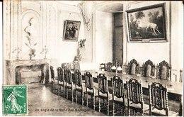 La Réole. Un Angle De La Salle Des Mariages. De Marie Louise à Melle G. Protin à Bordeaux. - La Réole