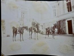 PHOTO ORIGINALE _ VINTAGE SNAPSHOT : CAVALIERS _ CHEVAUX _ FLEURIEU Sur SAONE Près De LYON _ CIRCA 1890 - Photos