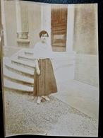 PHOTO ORIGINALE _ VINTAGE SNAPSHOT : DAME _ ROBE  à FLEURIEU Sur SAONE Près De LYON _ CIRCA 1890 - Photos