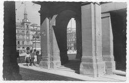 (RECTO / VERSO) MADRID EN 1958 - N° 216 - ARCE DE LA CALLE DE TOLEDO - PLAZA MAYOR - BEAU TIMBRE - FORMAT CPA VOYAGEE - Madrid