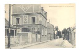 COURSEULLES - La Rue Du Bassin  1932(fr75) - France