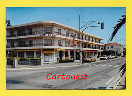 CPSM 06 JUAN Les PINS ֎ Hôtel Du Nord RN 7 Les Eucalyptus ֎ Chambres - Studios - Appartements  ֎ Peu Commune - Antibes