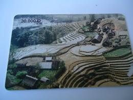 VIETNAM  USED CARDS LANDSCAPES  MONUMENTS - Vietnam