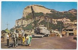 (RECTO / VERSO) GIBRALTAR EN 1960 - NORTH WEST VIEW OF ROCK - BEAU TIMBRE ET FLAMME - FORMAT CPA VOYAGEE - Gibraltar