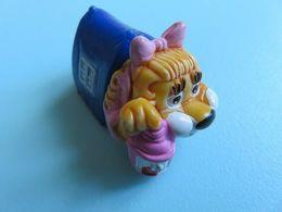 132 - Figurine Kinder - Lionne Sous La Tente (Félicie Latendresse) - Familles