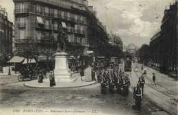 PARIS (VIIe) Boulevard Saint Germain Troupe Trams à 2 Etages RV - Arrondissement: 07