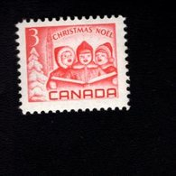 753906314 1967   SCOTT 476 POSTFRIS MINT NEVER HINGED EINWANDFREI XX  CHRISTMAS SINGING CHILDREN PEACE TOWER - 1952-.... Règne D'Elizabeth II