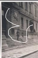 11. 1918. Soldat Australien à Charleroi Devant Le Palais De Justice Aujourd'hui Disparu  Repro - 1914-18