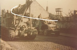 11. Hyon Lez Mons. Septembre 1944. Libération. Blindés De L'US Army Et Half Track. Repro - 1939-45