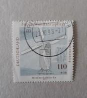 N° 1782        Moulin à Vent Sur Piliers - Oblitérés