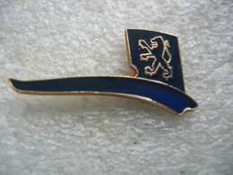 Pin's Du Lion , Embleme Des Automobiles Peugeot - Peugeot