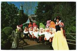 Disneyland. Blanche Neige Et Les Sept Nains. **** - Disneyland