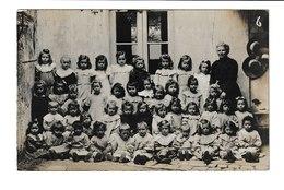 CP PHOTO/ CLASSE DE PETITES ECOLIERES AVEC LEUR INSTITUTRICE / 1907 - School