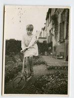 Enfant Kid Boy Fille Girl Garçon Trottinette Beauty 30s Velo Jeu Portrait - Personnes Anonymes