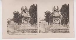 SU 019 / Photos Stéréoscopiques  - ESPAGNE - GRENADE , Statue De CRISTOFE COLOMB Et ISABELLE LA CATHOLIQUE - Photos Stéréoscopiques