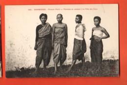 TSD-5 Cambodge, Phnom Phen Femmes Se Rendant à La Fête Des Eaux. .ANIME. Non Circulé - Kambodscha