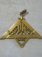 I111 - 10 - Bijoux Maçonnique - Triangle, étoile Flamboyante, Compas - Loge 942 Du Droit Humain - Sincérité - Religione & Esoterismo