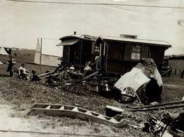 PREPARATIONS FOR DERBY DAY GYPSY GITANO GIPSY TSIGANE    Fonds Victor FORBIN (1864-1947) - Fotos