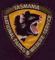 AUSTRALIA • Cloth Patch • TASMANIA NATIONAL PARKS AND WILDLIFE SERVICE • TASMANIAN DEVIL - Ecussons Tissu