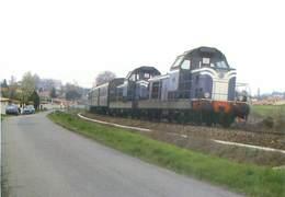 Montrabe - Ligne De Capdenac A Toulouse - Train Tracté Par Une UM De BB 66000  U 1389 - Trains