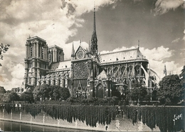 2  CPsm ,dentelée N Et B  De   NOTRE -- DAME  De  PARIS   Avant L'incendie Du 15.04.2019 - Notre Dame De Paris