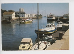 Lorient : L'avant-port N°6 - Lorient